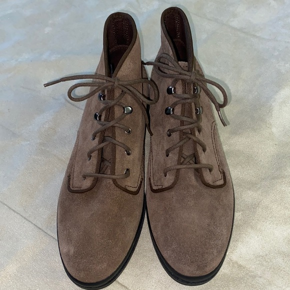 Keds Suede/Leather Shoes NWOT 7.5